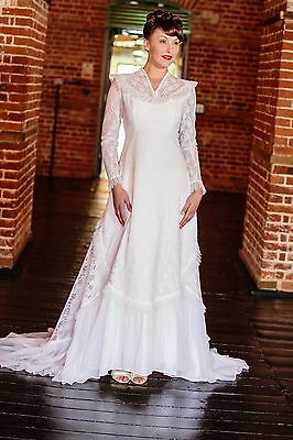 Beautiful 1970s high collar victorian style vintage white lace wedding dress