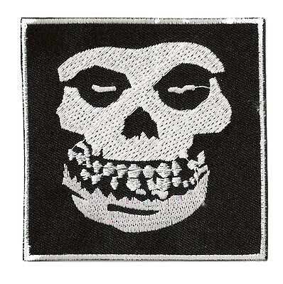 Écusson patch patche Skull Misfits Punk thermocollant brodé patch