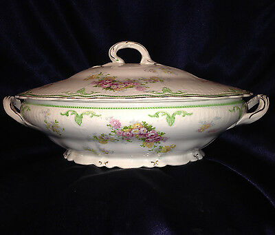 Grindley Corinth Oval Covered Vegetable Bowl & Lid Green Gold Scrolls Flowers