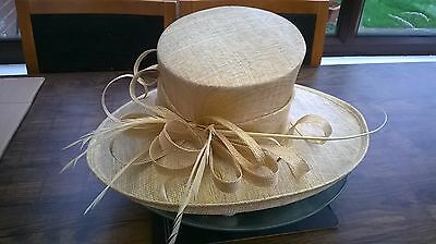 Gold Sparkle Hat.New.Wedding.Occasion races.formal hat.mother of the bride