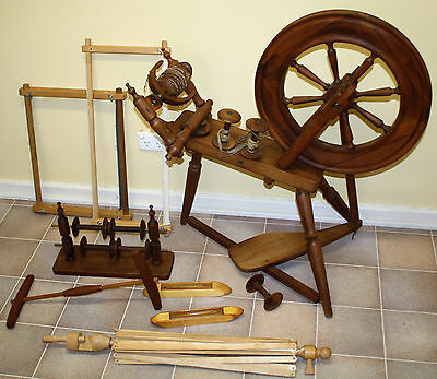 Ettrick Spinning Wheel + Extras  **Pick Up S.A**