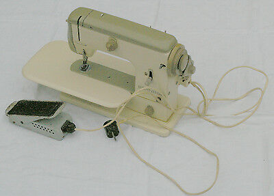 Bernina 700 Nähmaschine Sewing Machine S/N 64103863