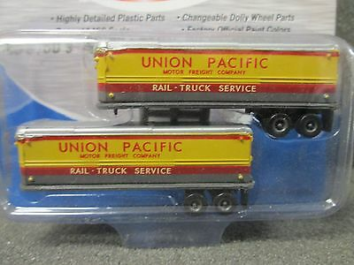 1:160 40's/50's Union Pacific RR AeroVan Trailers - Classic Metal Works #51150