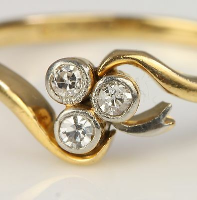 A Beautiful Antique 3 Stone Old Mine Cut Diamond Ring  Lovely Setting Size O - P