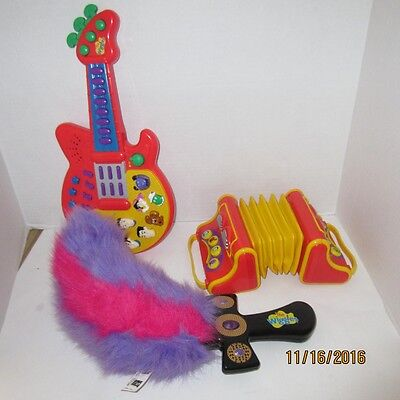 The Wiggles Musical Singing Accordion Guitar & Captain Feather Sword Works