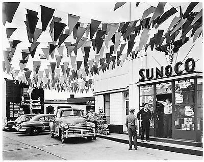 SUNOCO GAS and OIL SERVICE STATION  PUMP ATTENDANT