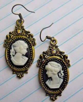 Vintage Jewelry Earrings Cameo Pierced Ears Black 5