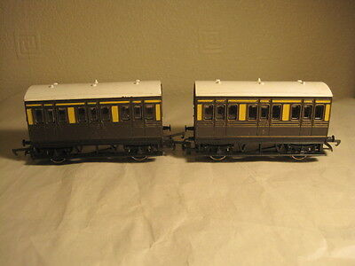 2 x HORNBY 4 WHEELED VICTORIAN COACHES- 00 Gauge - GWR , S6339 MADE IN GB