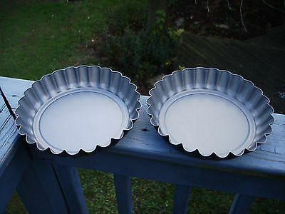 """Set Of 2 Fluted Cake Pans / Deep Dish Fluted Pie Pans 8 1/2 X 1 1/2"""""""