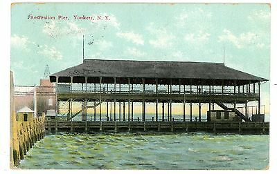 Yonkers NY - RECREATION PIER ON HUDSON RIVER - Postcard