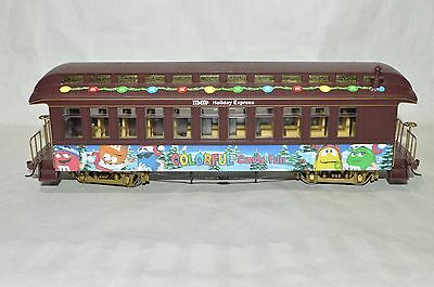 On30 scale Hawthorne Village M&M's Holiday Express Christmas passenger car train