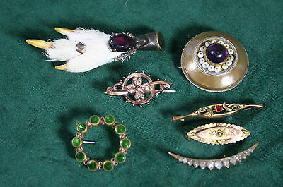 Job Lot of Antique Jewellery - 7 Brooches
