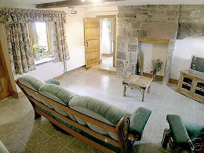 New Year Beamed Holiday Cottage Peak District  30 Dec - 2 Jan Pets Welcome