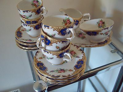 Grosvenor Bone China 21 Piece Afternoon Tea Service - Beautiful Design!
