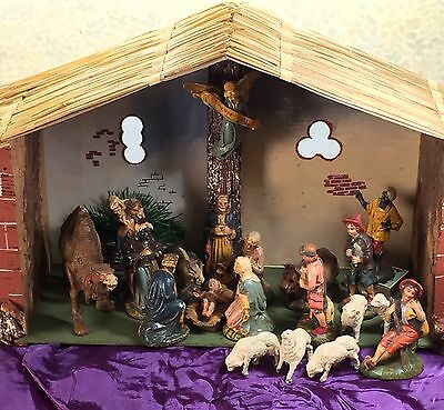 Vintage Italy-Made 21 Piece Nativity Set w Knock Down Cork Stable