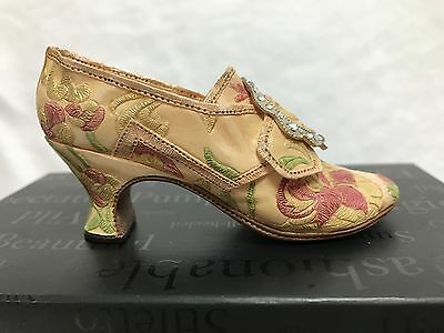 Just the Right Shoe Countess Raine Originals