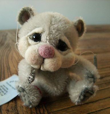 """OOAK 3.75"""" Mouse Doll Gray Mohair Needle Felted Face Artist Laura Unrau"""