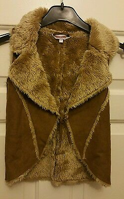 MISS E-VIE. Girls Faux Sheepskin & Fur, Sleeveless Jacket. Age 7-8yrs.