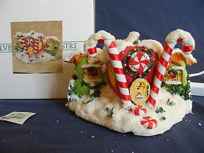 CHARMING TAILS CANDY APPLE CANDY STORE Lighted Figure LIMITED EDITION Christmas