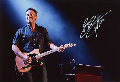 "BRUCE SPRINGSTEEN ~ ROCK MUSIC ""LEGEND"" ~ HAND-SIGNED 12X8 PHOTO + COA [Ref.2]"