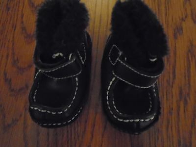 Baby boy first crawler/walker shoes. Leather upper. Genuine kids. Size 2 / 0-6m