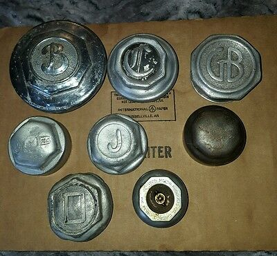 MIXED LOT of 7  VINTAGE HUBCAPS