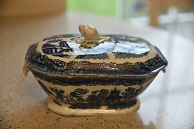 VICTORIAN PEARLWARE SMALL SIDE TUREEN - STAFFORDSHIRE WILLOW PATTERN c1850