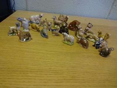A collection of 23 Wade Whimsie animals figures Miniatures