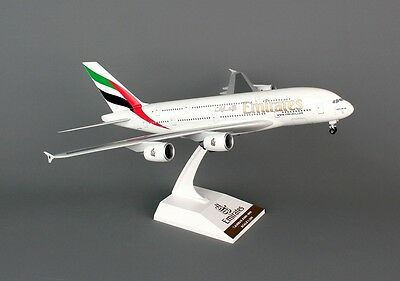 Sky Marks SKR698 - 1/200 Scale EMIRATES AIRBUS A380-800 WITH GEAR