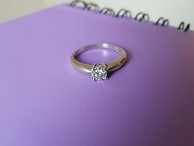 9ct white gold 15point engagement ring size O