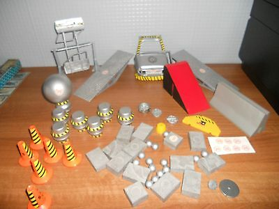 Robot Wars Accessories  In Very Good Condition