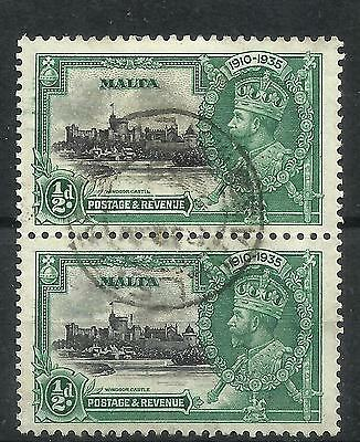 MALTA 1935 Silver Jubilee ½d pair, one with extra flagstaff variety but the vari