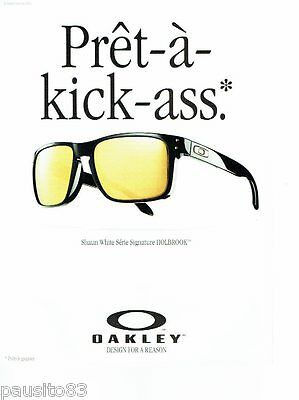 bf05c3405fd7aa PUBLICITE ADVERTISING 116 2011 Oakley collection lunettes solaires Holbrook