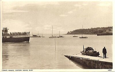 Rare Old Postcard - Customs House Quay  - Cowes - Isle Of Wight C.1948