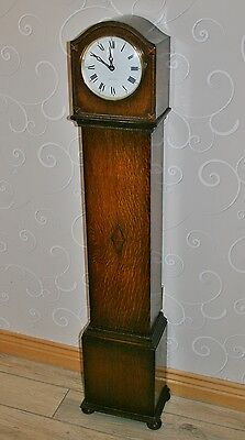 Vintage 1930 Oak Granddaughter Clock with Shortland Bowen/Junghans W771 Quartz