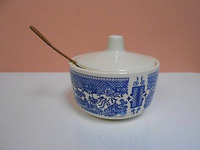 """Blue Willow 4 1/8"""" Diameter Covered Sugar Bowl w/Brass Spoon - Unmarked"""
