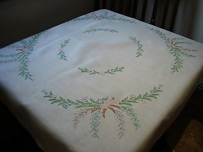 Beautiful Vintage Hand Embroidered linen Tablecloth.Just lovely!