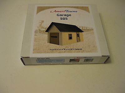 Garage Building model kit in  O / On30  Scale by Ameri-Towne