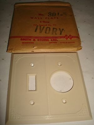 Vintage Smith & Stone Bakelite Ivory Ribbed 2 Gang Combination Wall Plate Nos