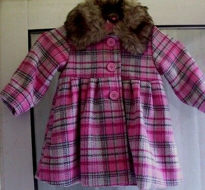 New.20% wool & lined cute baby girls coat with fur collar.Age 6-9 months.