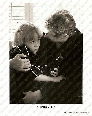 1999 DEAD SILENT Movie by Roger CARDINAL Grandfather hugs his grandson *Foto