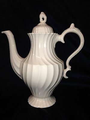 Myott Staffordshire Olde Chelsea Coffee Pot 40 Oz All White Swirl Shape