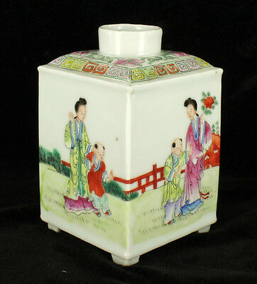 Antique Qing Dynasty Chinese Export Famille Rose Porcelain Tea Caddy 1890-1910
