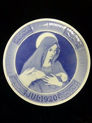 """Royal Copenhagen 1920 Christmas Plate -  """"Mary with the Child Jesus"""""""
