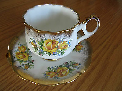 Elizabethan Fine Bone China By Taylor & Kent, England - Cup & Saucer Gold Roses