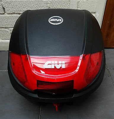 GIVI Top Box With Mounting Brackets for Motorbike Scooter