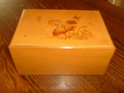 Beautiful Vintage Beech Lacquer Box Japanese Floral Scene Bird