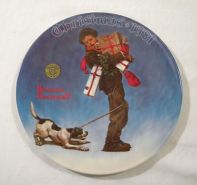 Vintage Norman Rockwell WRAPPED UP IN CHRISTMAS 1981 Decorative Collector Plate