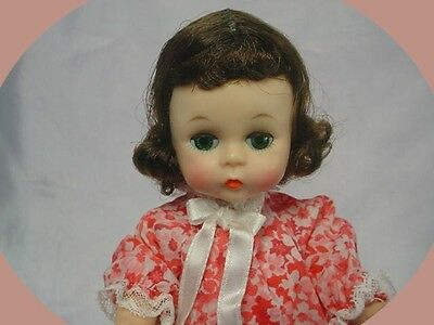 MADAME ALEXANDER-kins  BKW Brunette Doll Tagged Outfit w/Friend