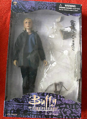 "BUFFY THE VAMPIRE SLAYER  Buffy 12"" Figure Sideshow Toy"